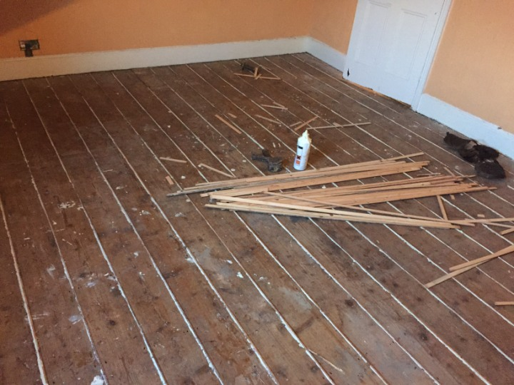 filling gaps in floorboards